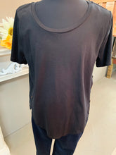 Load image into Gallery viewer, Umgee Plus Scoop Neck Top Button Detail