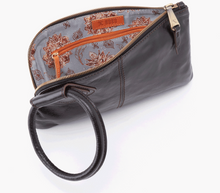 Load image into Gallery viewer, HOBO Sable Wristlet Black