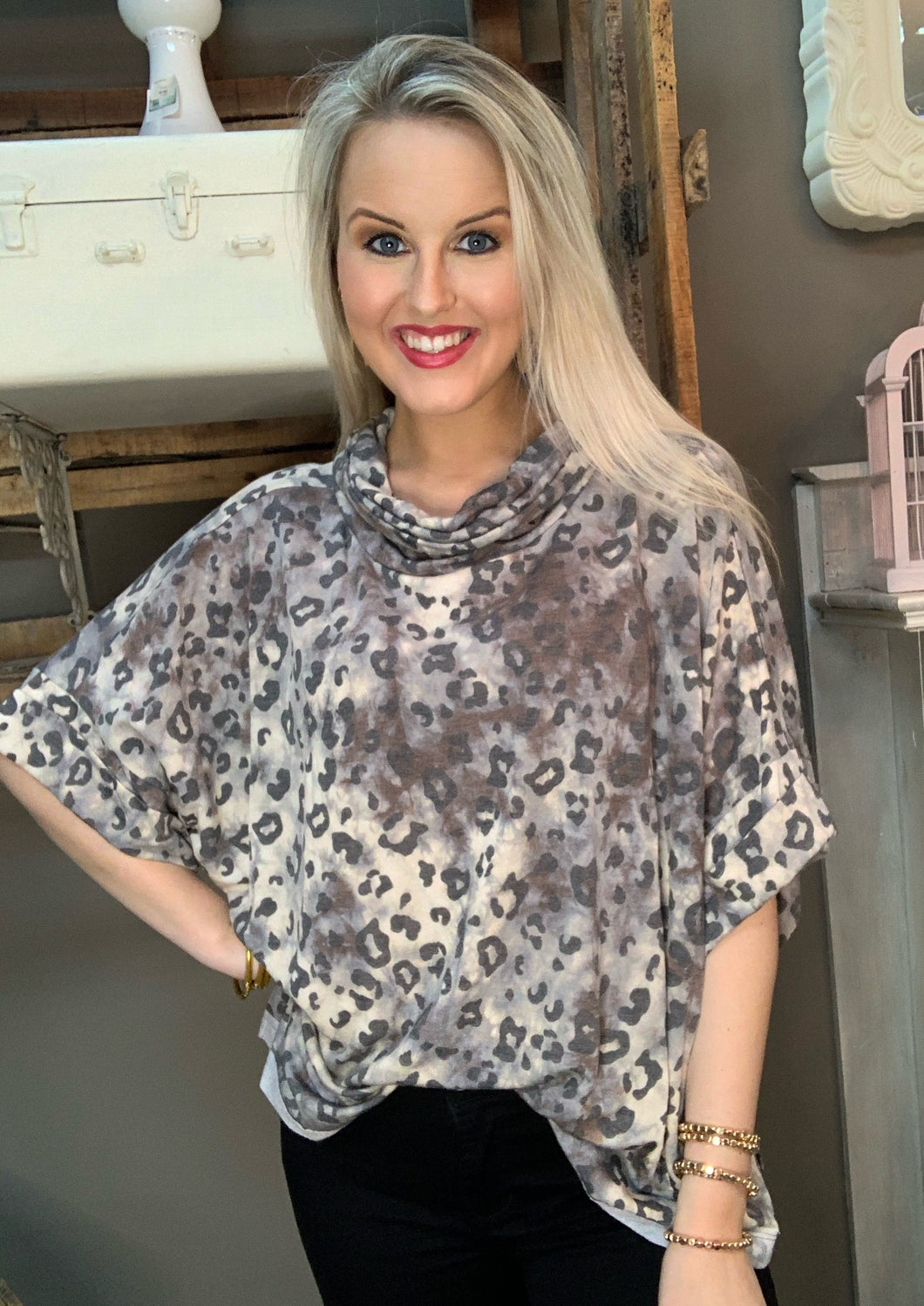 SL- Leopard Turtleneck Short Sleeve Top