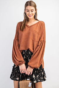 RC- Cinnamon Bubble Sleeve LS V-Neck Top