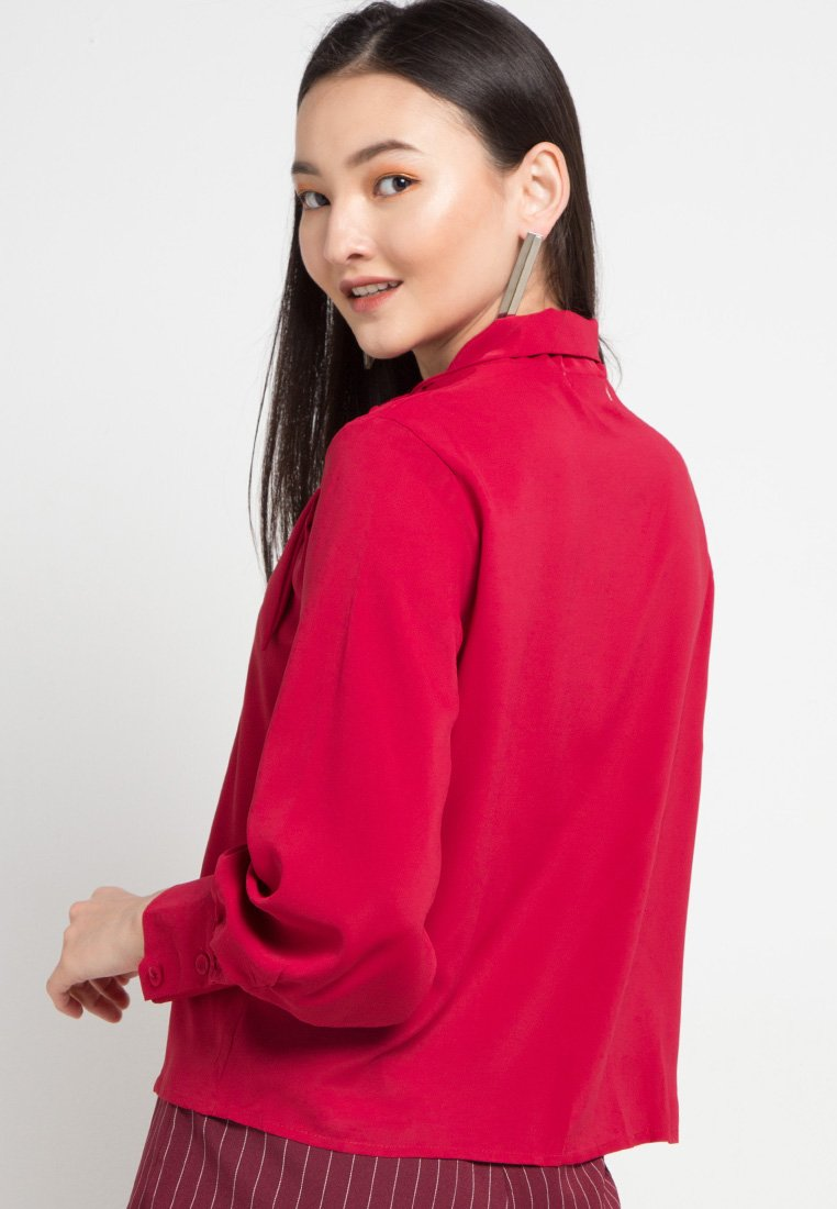 MINEOLA Neck Tie Blouse Red