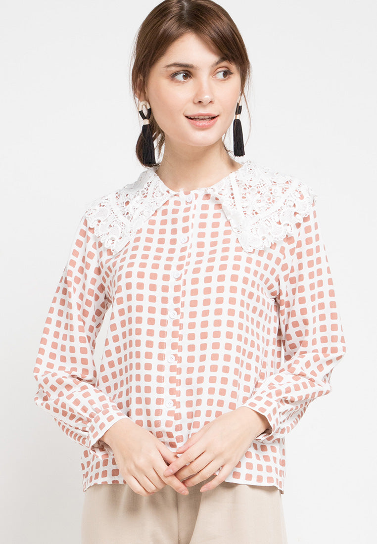Mineola Long Sleeves Lace Collar Blouse Brown