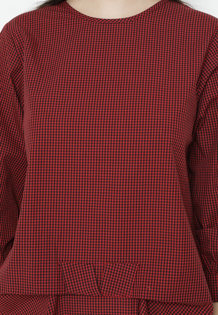 Mineola Plaid Front Ribbon Tie Top Red