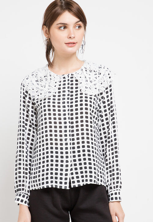 Mineola Long Sleeves Lace Collar Blouse Black