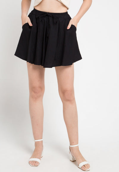 Mineola Elastic Waist Loose Fit Shorts Black