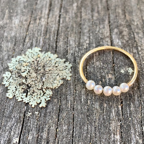 5 Pearl & 14ct Gold Ring