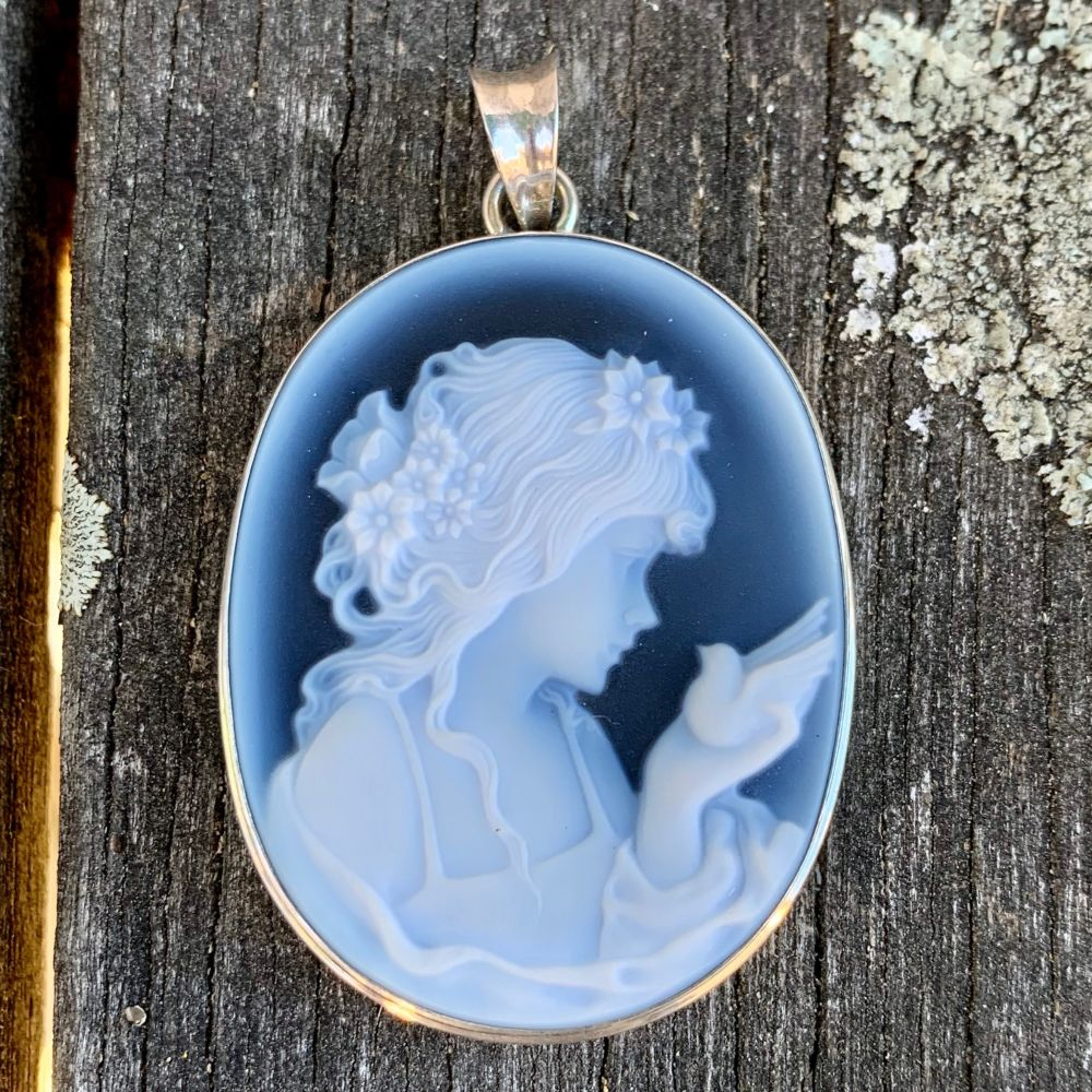 German Hard Stone Cameo Pendant