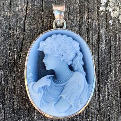 Classical German Hard Stone Cameo Pendant
