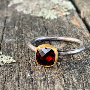 18ct Gold Sterling Silver and Garnet Ring, Kurtulan