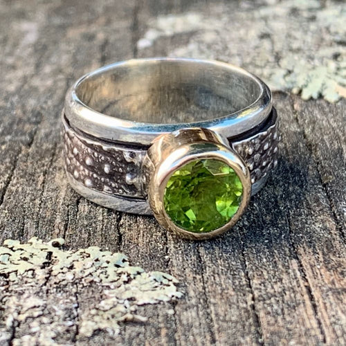 Peridot in 9ct Yellow Gold on Sterling Canterbury Scree Spinner Ring, Rowena Watson Designs