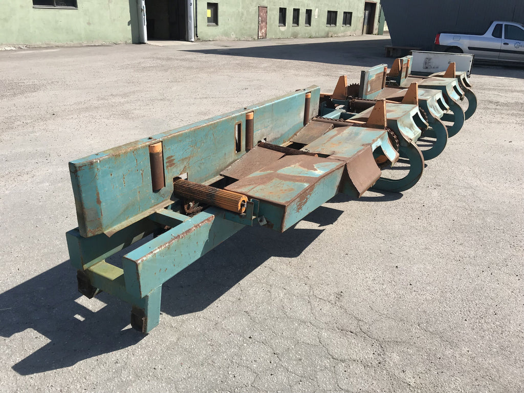 Used roller conveyor with chain pushers - Swedabo