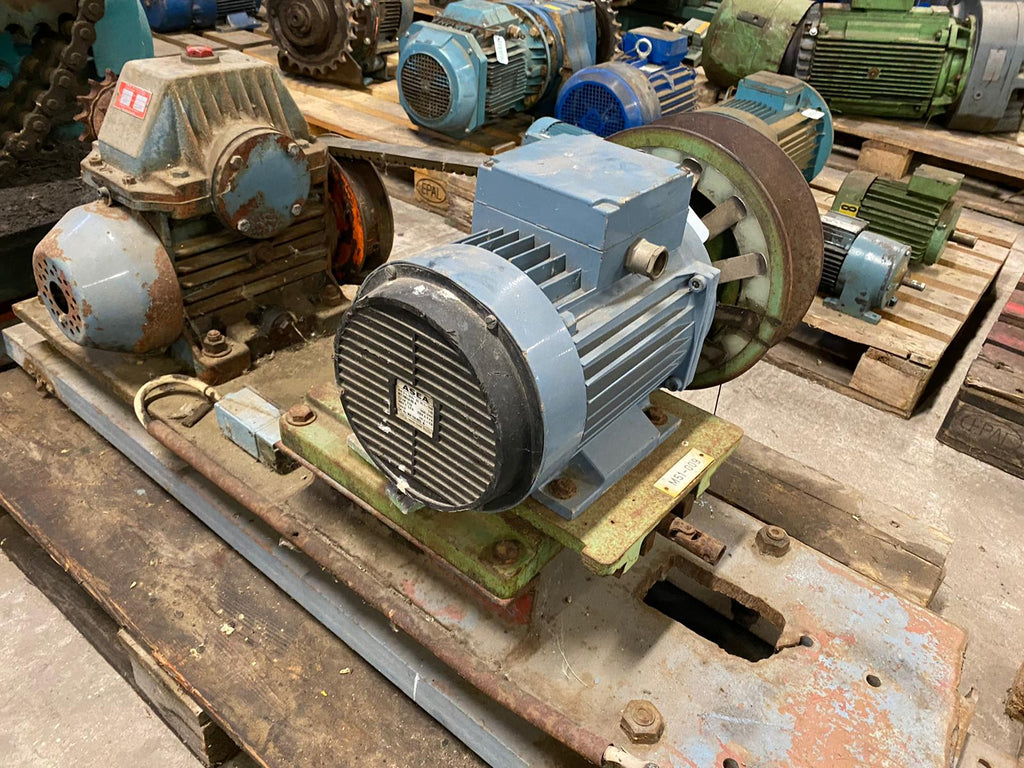 Electric motor with reducer 2,2 kW - Swedabo