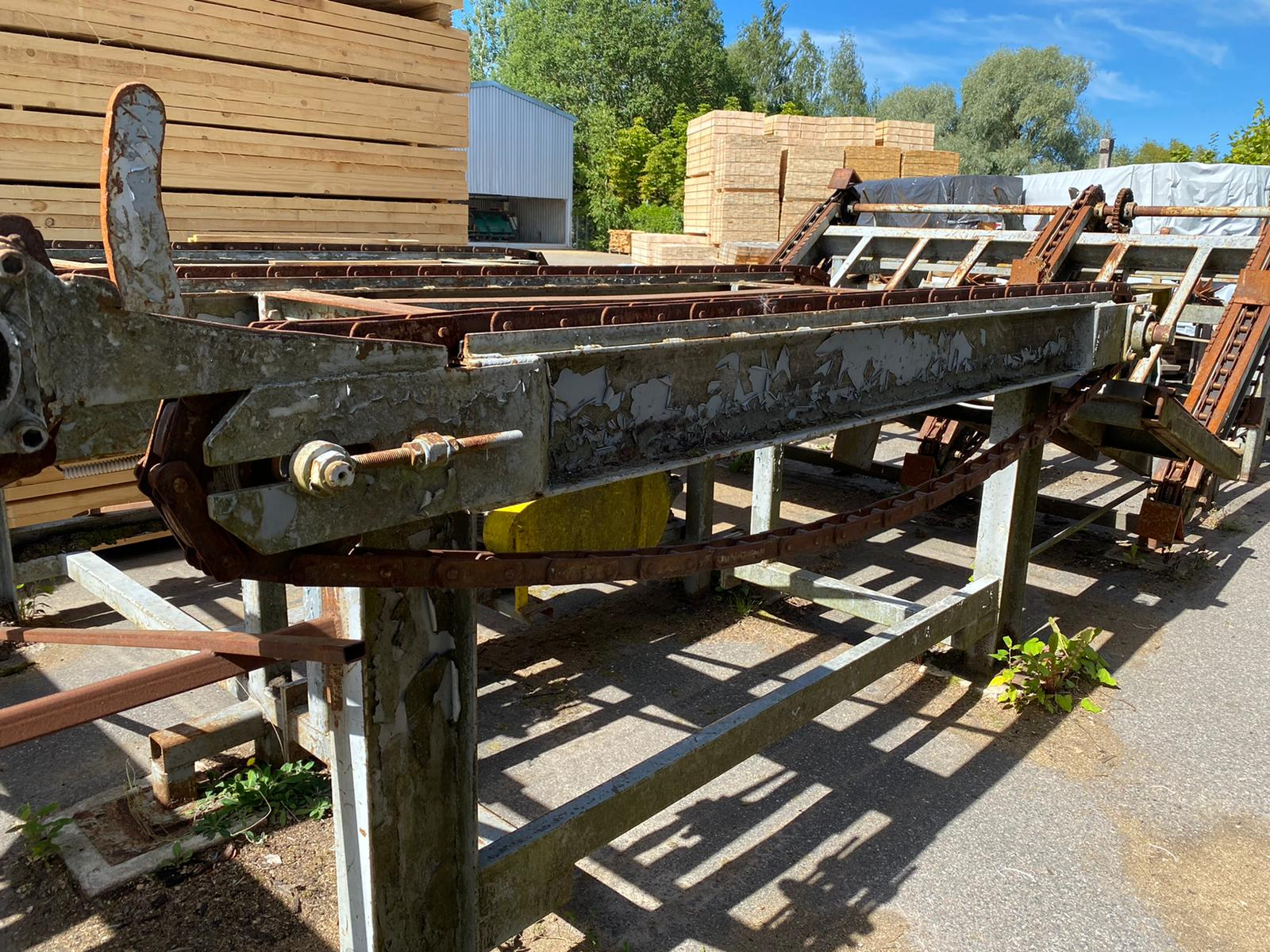 Log feeding table with cross cut saw Vesto - Swedabo