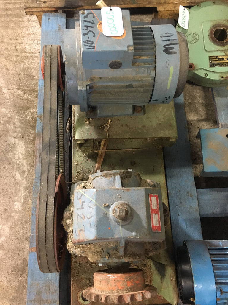 Used Electric motor with reducer 1,5 kW 1420 r/m - Swedabo