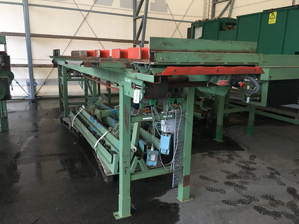 Used roller conveyor with kickers - Swedabo