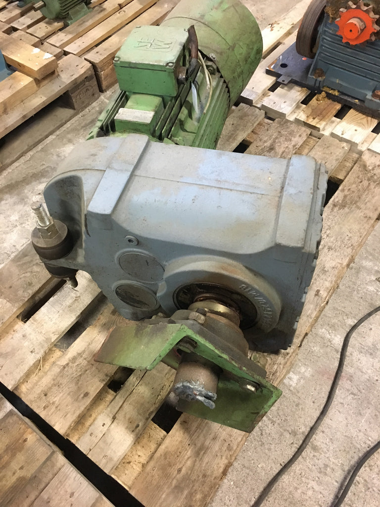 Used electric motor with reducer 18,5 kW 1465 rpm - Swedabo