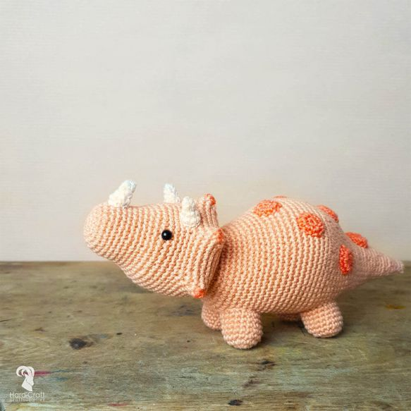 HardiCraft Crochet Kit Eco Friendly - Dino Triceratops