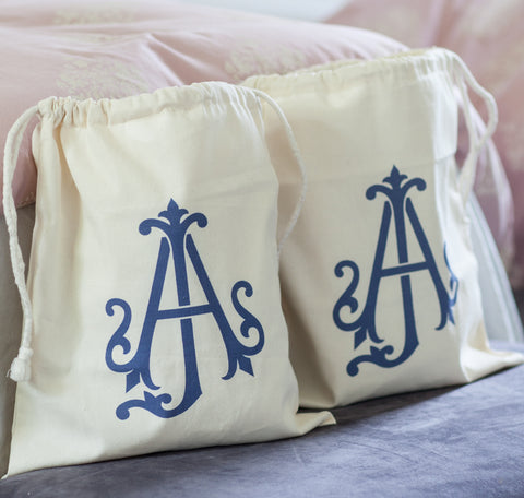 products/monogram-bags-2.jpg