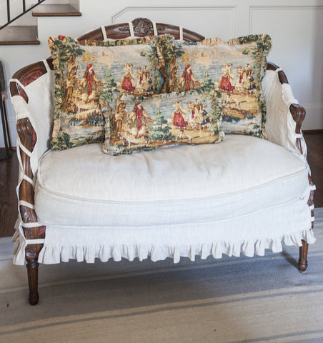 products/toile_pillow_multicolor-1_ab77ef2a-89e4-4188-aa96-4ae33b764f48.jpg