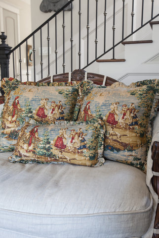 products/toile_pillow_multicolor-2.jpg