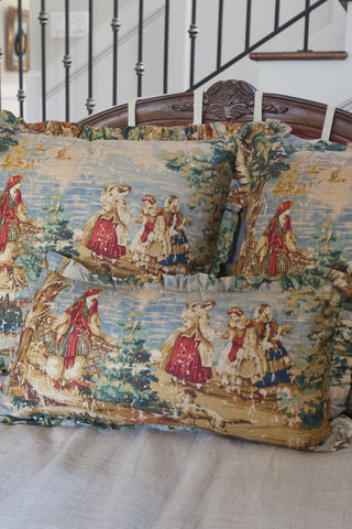 products/toile_pillow_multicolor-3_456a72bc-5ae6-420f-99b2-fc8786ed2680.jpg