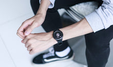 Load image into Gallery viewer, Waterproof Smartwatch With Tempered Glass, Heart Rate Monitor, Fitness Tracker
