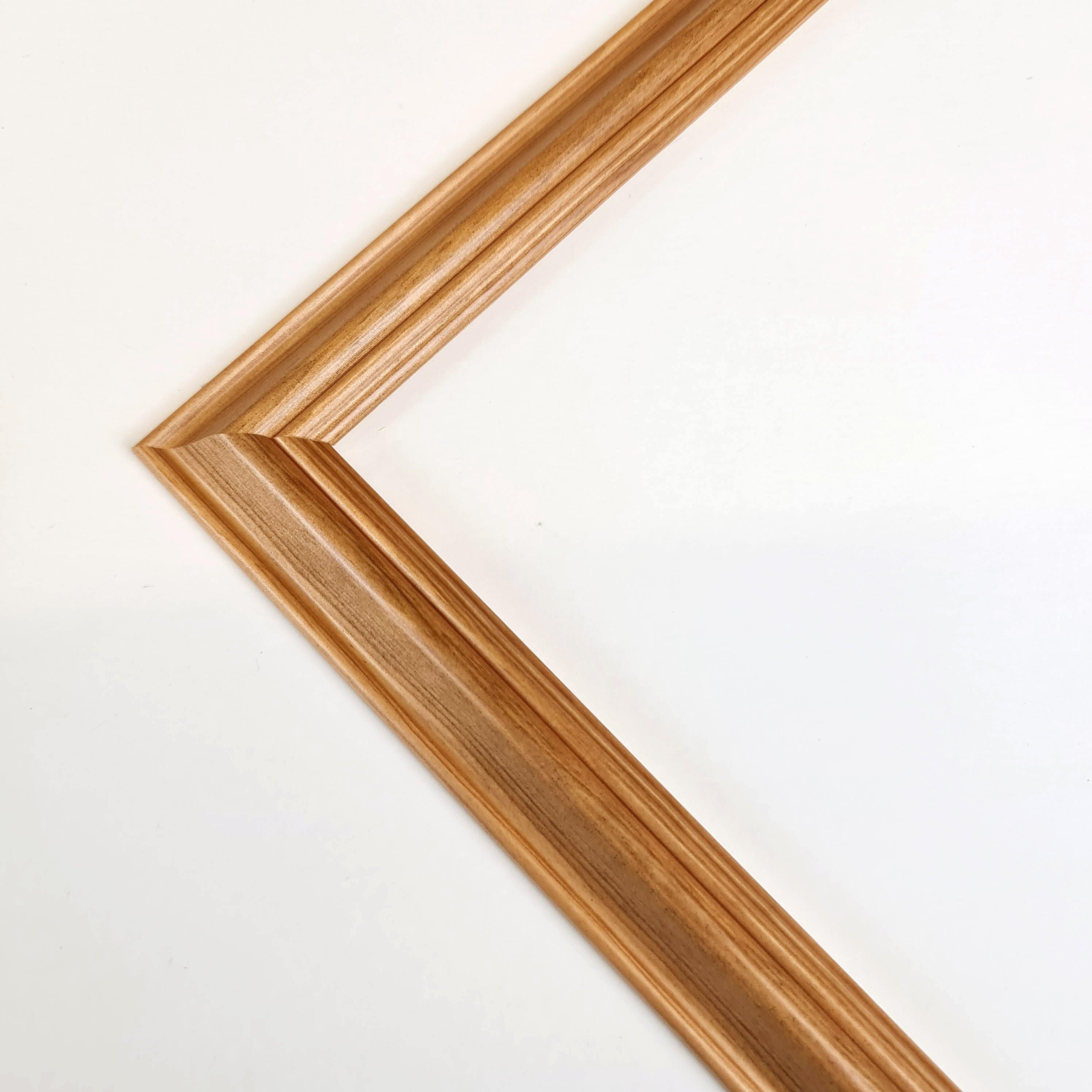 Traditional  Wood Picture Frame
