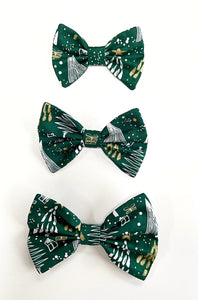 Glittery Christmas Bow Tie - Green