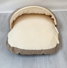 Load image into Gallery viewer, *New Style* Luxury Cosy Cave Bed - Brown/Cream