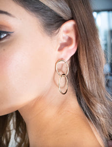 DOUBLE LOOP EARRING