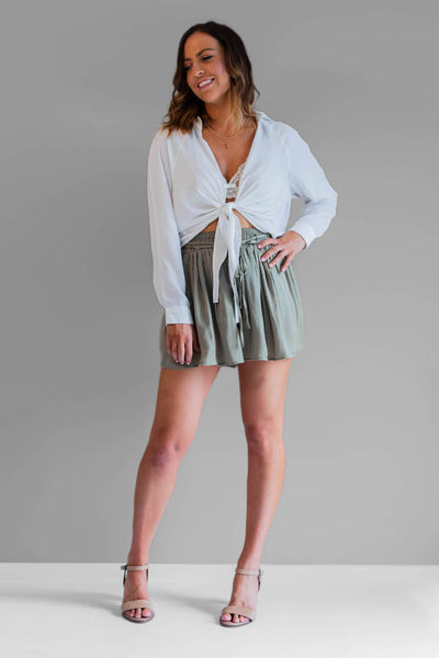 Alana shirt is an incredibly versatile and beautifully soft tie front shirt. With it's relaxed fit, it's the perfect addition to any outfit. Teamed here with our summer days shorts