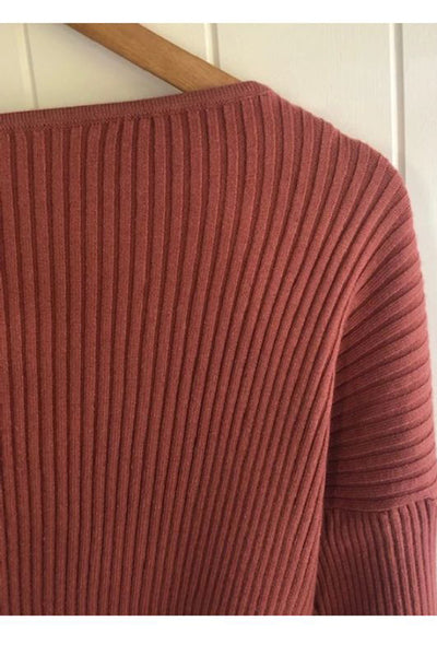 the pip knit is a gorgeous super soft rib off the shoulder knit. the colour is rust