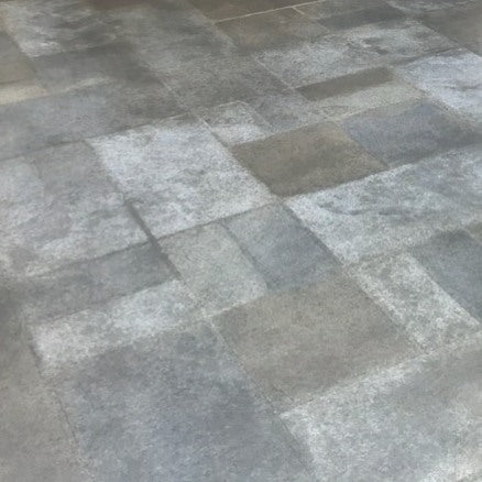 Gray Random Tile Pattern Flooring in Lubbock Texas