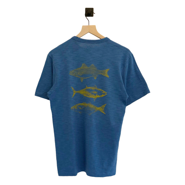 Nantucket Boat Basin Arched 3 Fish Scrum SS Tee