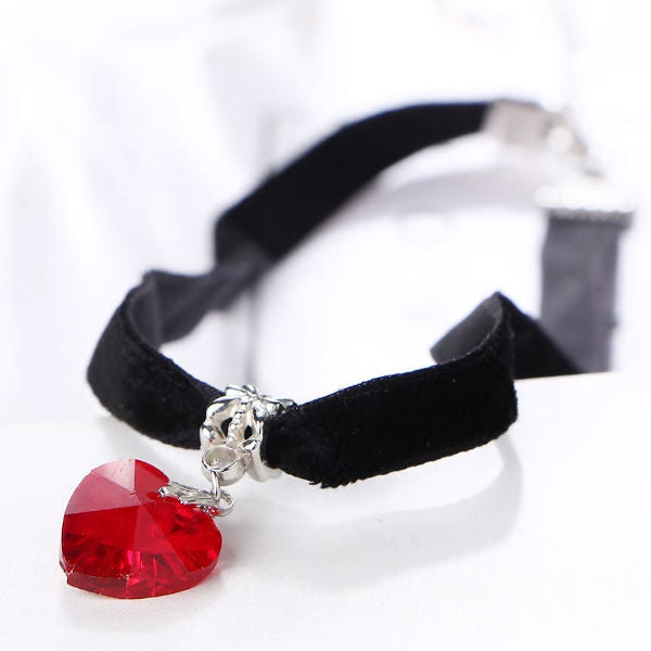 Choker velvet crystal heart necklaces