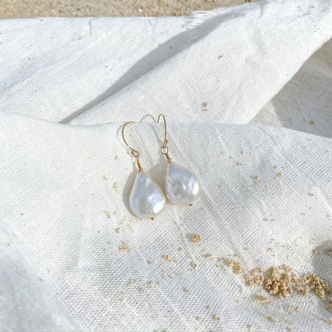 Maris Pearl Co The Ariel Drop Earring - ourCommonplace