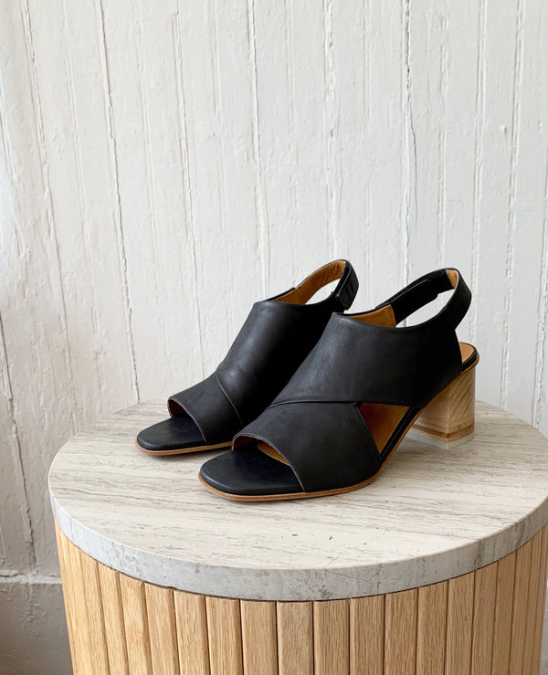 Bway Heel Coclico - ourCommonplace