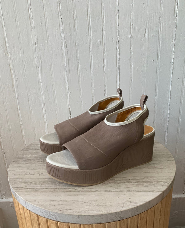 Laurel Wedge Coclico - ourCommonplace