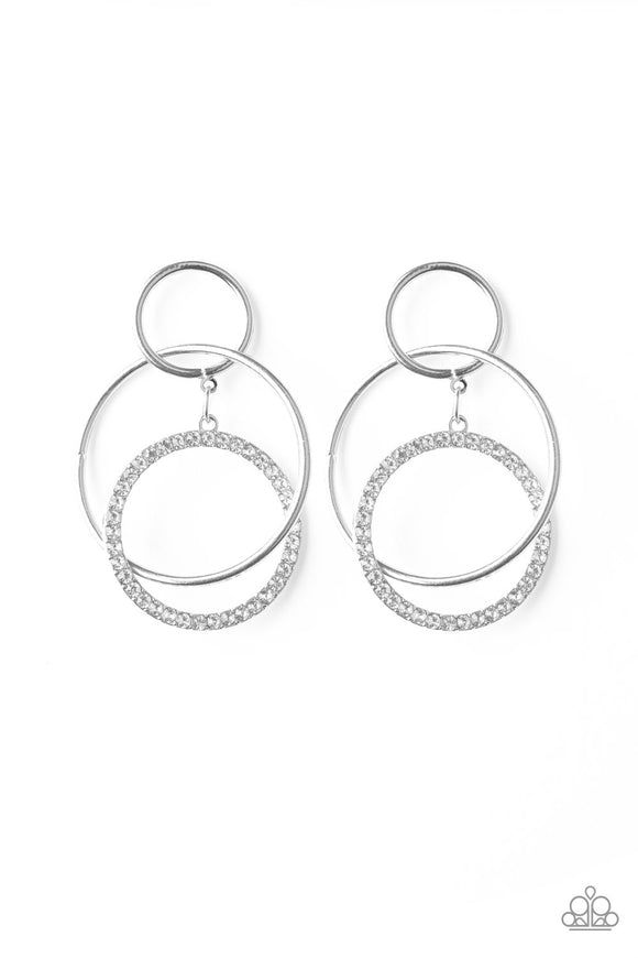 Metro Bliss White Earring - Paparazzi Accessories