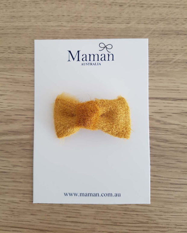 Golden Fur Mini Bow Girl Hair Clip