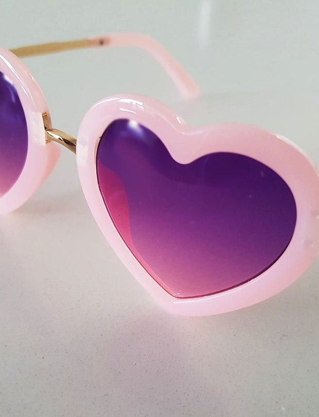 The Eyes of Rosie : Heart Blush Pink Frame Purple Gradient Lenses Sunglasses