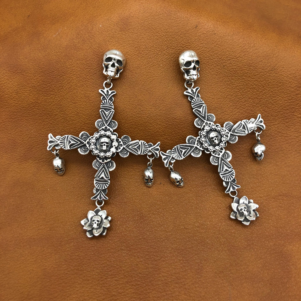 20% OFF New Skull Cross Earrings E170