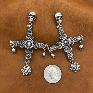 SALE New Skull Cross Earrings E170