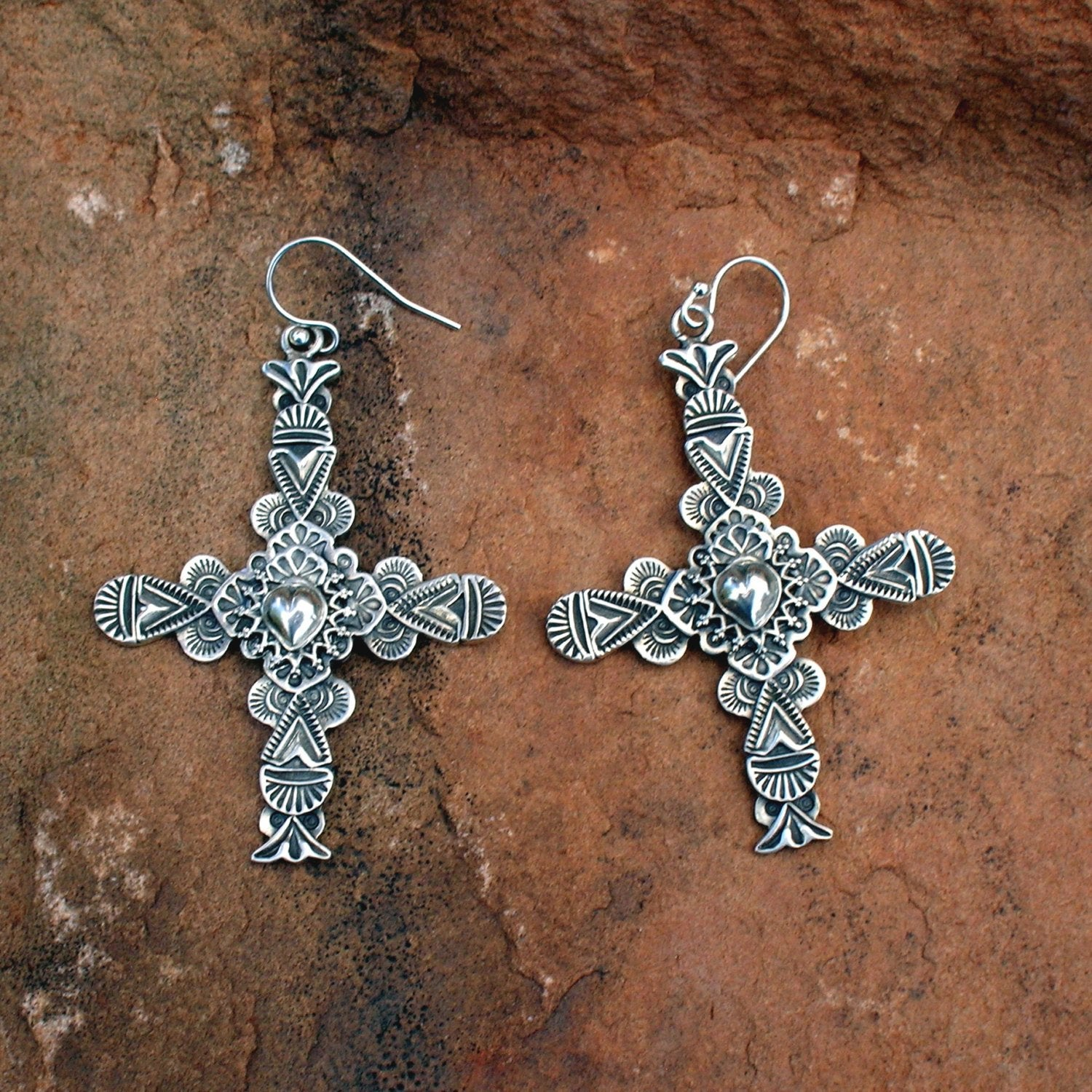 E38C Carmel Cross with Taos Heart Earrings