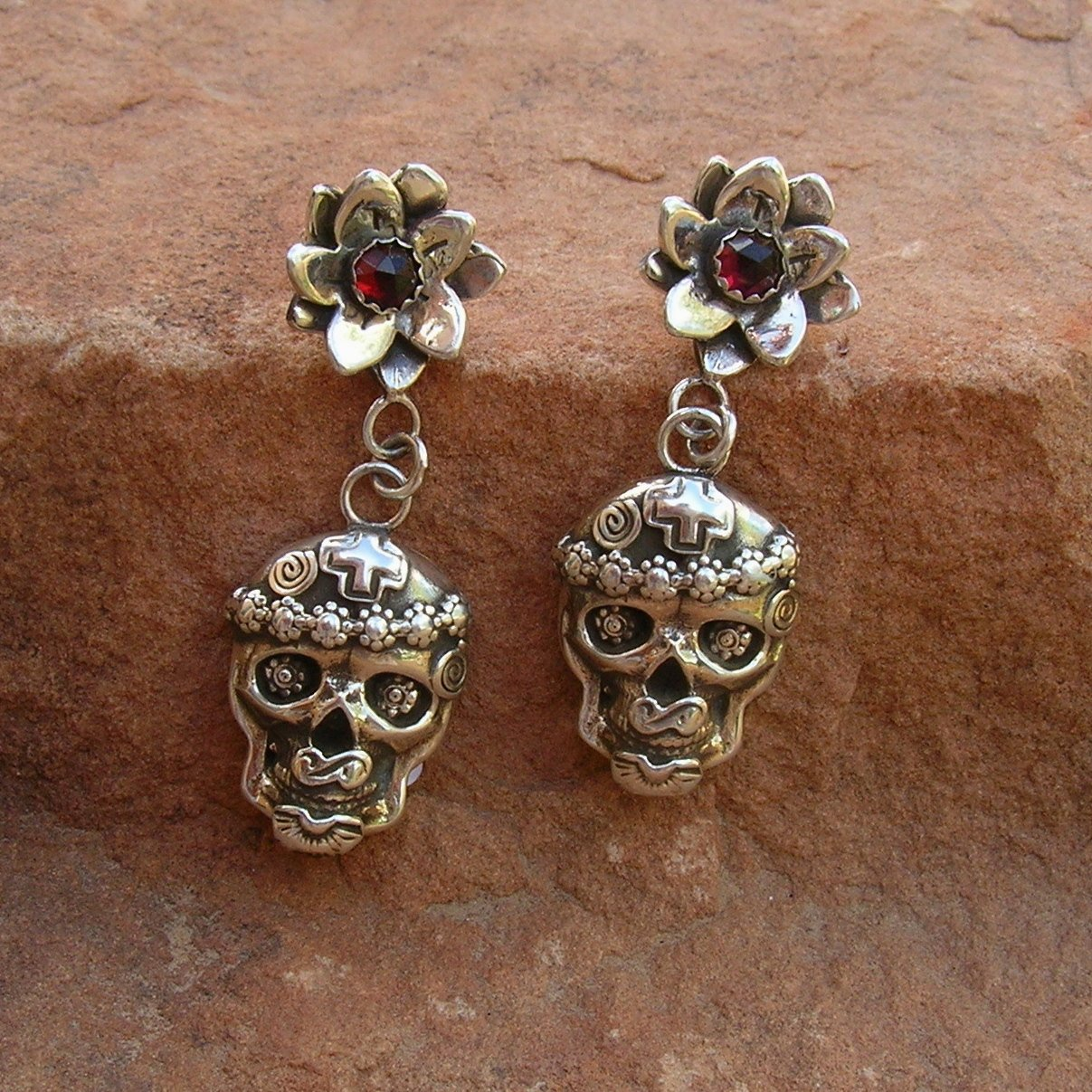 E160 Desert Flower Garnet Mi Vida Loca Skull Earrings