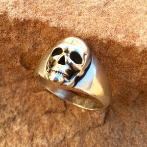 R60 Medium 15mm Skull Ring