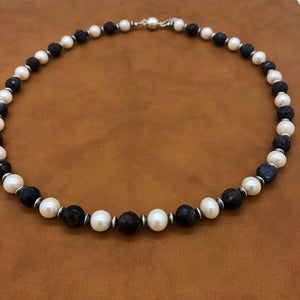 PN4 White Pearl and Black Labradorite Necklace
