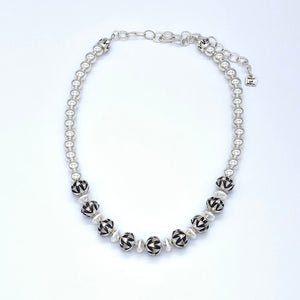 Santa Fe Pearls Nine Star Bead Necklace