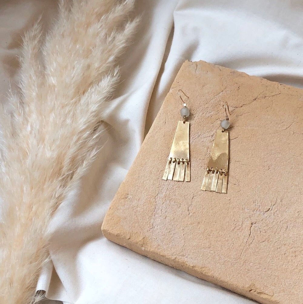 divina earrings //