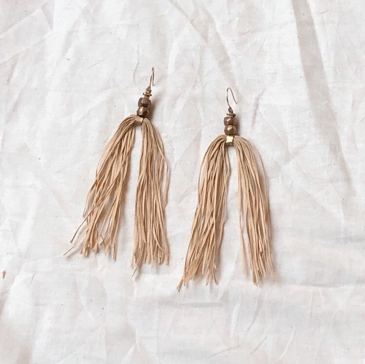 mana earrings //